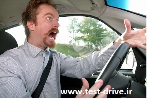 بی توجهی به علائم ومقررات رانندگی نشانه